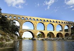 Provence and The Elegant Rhône (Fly & Cruise)